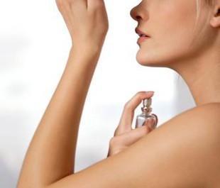 comment_bien_choisir_son_parfum_rubrique_arti